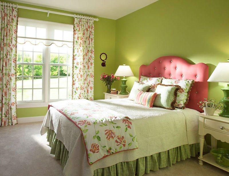 rèm họa tiết tường xanh lá