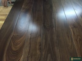 Sàn gỗ óc chó 15x90x750mm
