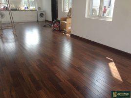 Sàn gỗ chiu liu 18x120x900mm