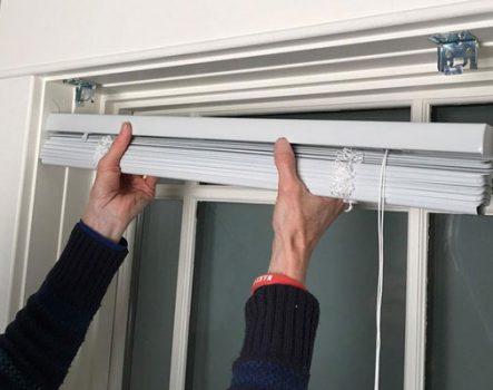 Hướng dẫn cách lắp rèm sáo gỗ tại nhà với 4 bước cực dễ