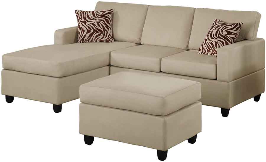 sofa màu nâu nhạt gối hoa văn màu đỏ